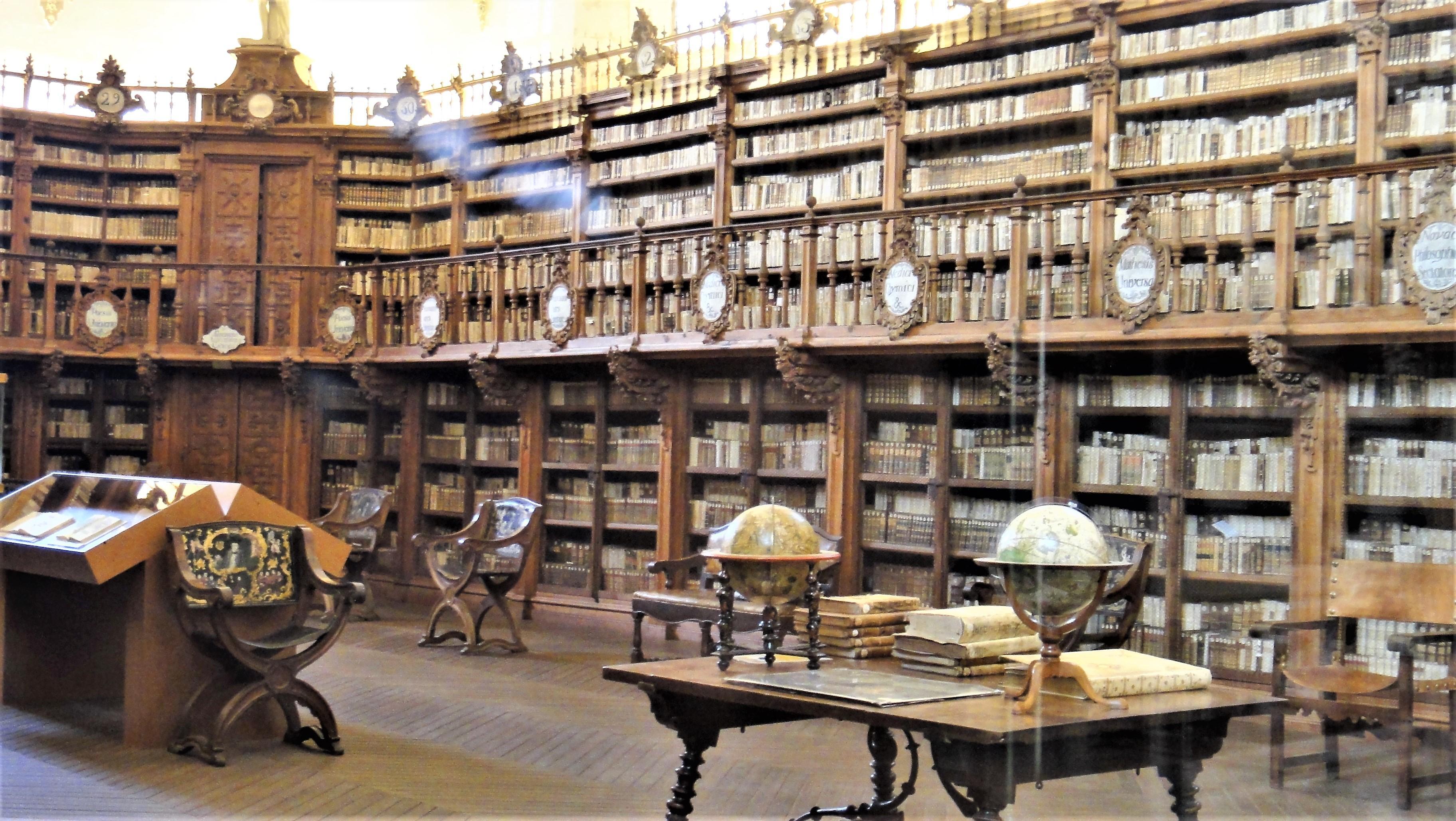 サラマンカ大学旧図書館DSC01388.JPG