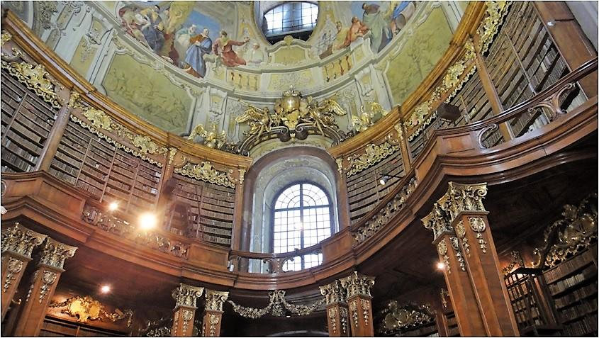オーストリア国立図書館4.jpg