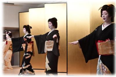 ぼかし芸者衆お踊り (4).jpg